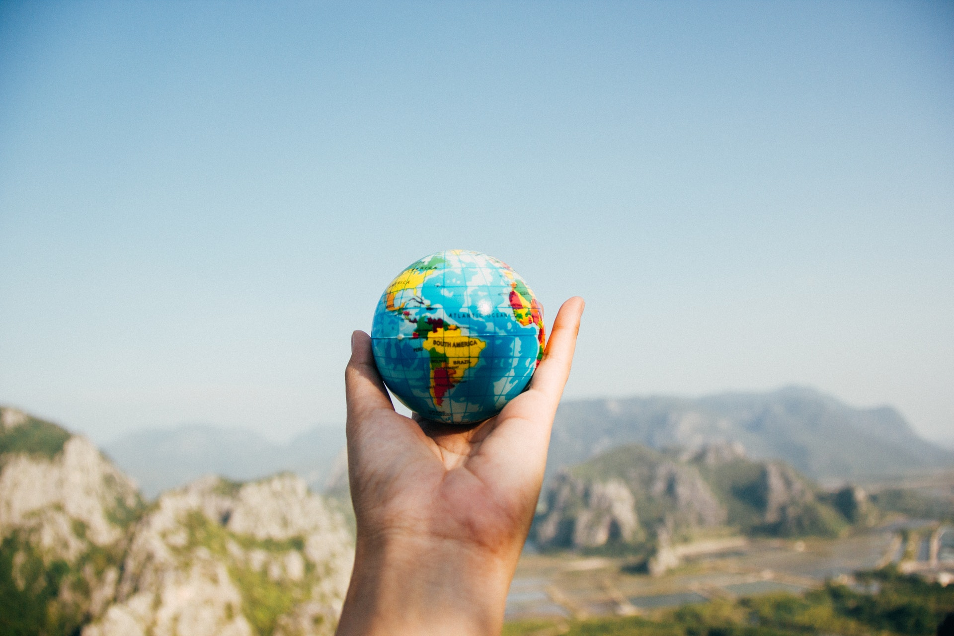 Five Worldly Freelance Careers You Can Do While Traveling Non-Stop